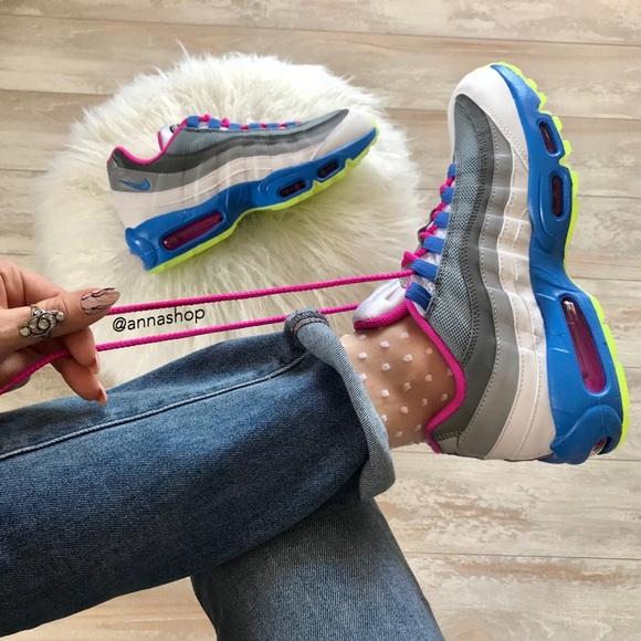 le scarpe nike air max 95 poshmark nwt id personalizzato